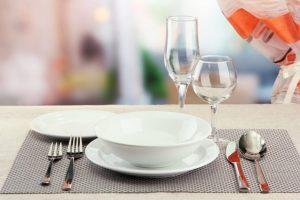 Сервировка стола ресторанная